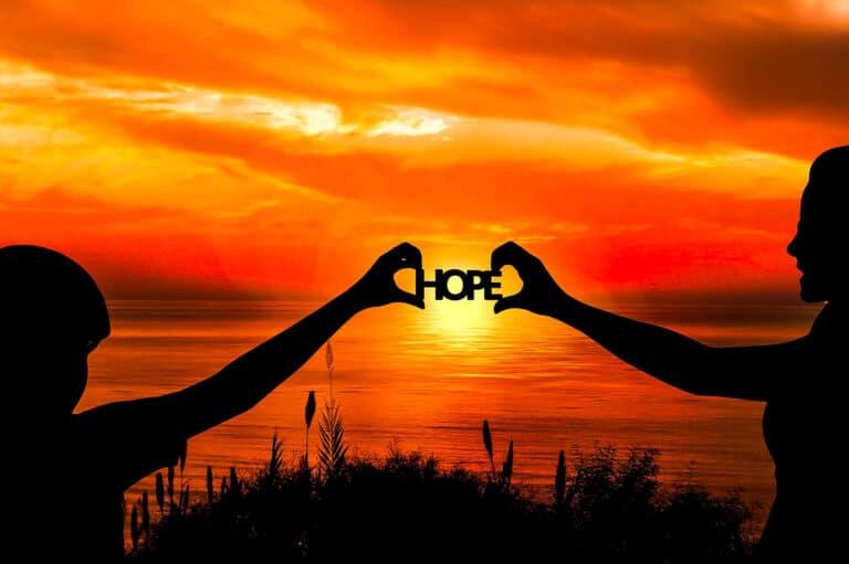 「3.11東日本大震災」復興を願い今も歌われ続けている歌 ──坂本九の名曲『上を向いて歩こう』