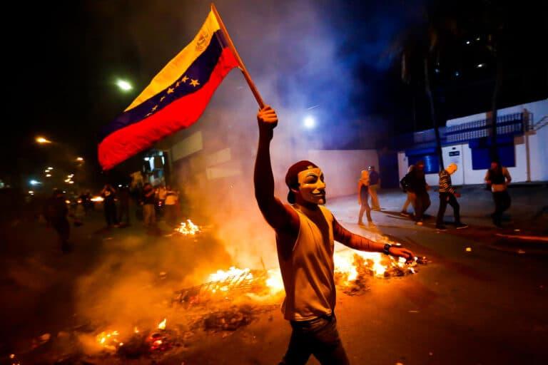 """地獄と化した南米の楽園……石油に呪われた国""""ベネズエラ"""" ①"""